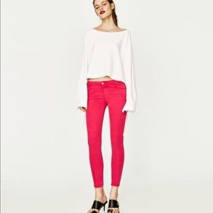 Love your curves! Cropped Shocking Pink Jeans